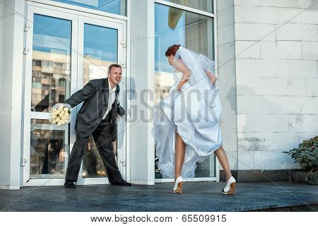 Groom Does Not Let The Bride At A Wedding.
