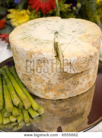Stilton Cheese With Asparagus