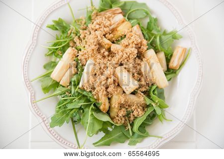Arugula Salad with asparagus and breadcrumbs