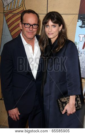 LOS ANGELES - MAY 22:  Clark Gregg, Amanda Peet at the