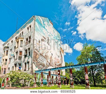 mural on building in Berlin