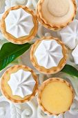 picture of curd  - Little pies with homemade lemon curd and meringue - JPG