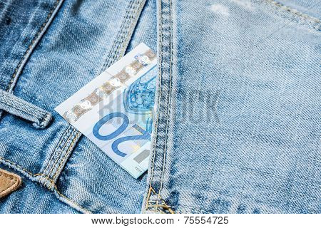 20 Euros on the jeans