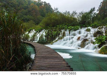 Plitvice park footpath round waterfalls