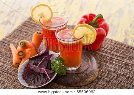 Carrot Red Spinach And Paprika Mix Juice