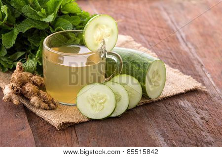 Cucumber And Herbs Juice