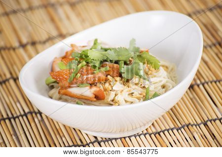 Egg Noodle With Roast Chicken