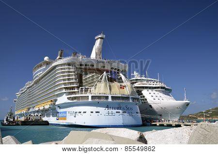 Royl Caribbean Allure of the Seas scruise ship