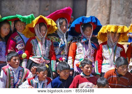 Children in Checaspampa traditional clothing
