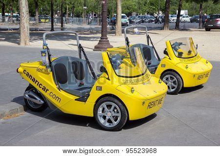 Tourist Vehicle Paris