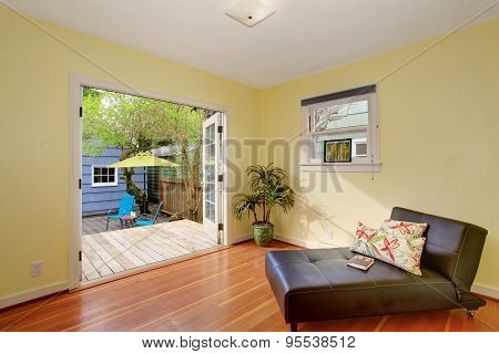 Lovely Relaxation Room With Opening To Back Deck.