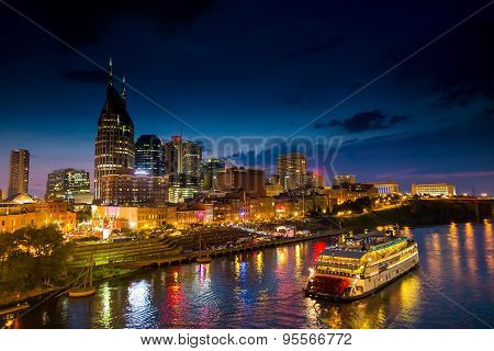 Nashville Tennessee downtown skyline