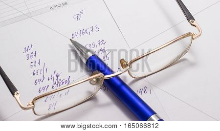 financial report this has been an accountant numbers and amounts
