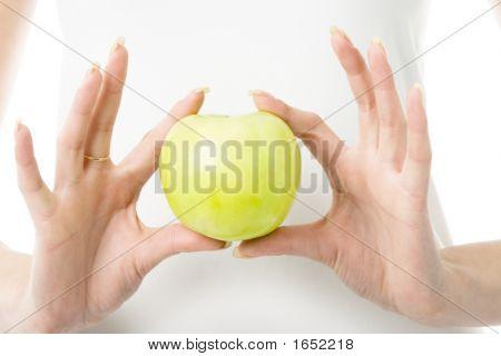 Apple In Fingers