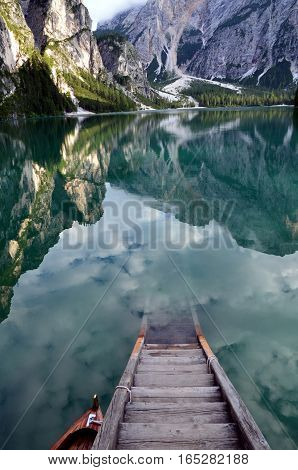 Where the clouds divein the water toghetar the mountains