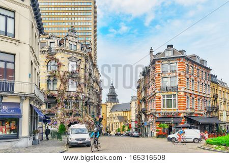 Brussels, Belgium - July 07, 2016 : Entangled Flowers House And People On The Street In The Center O