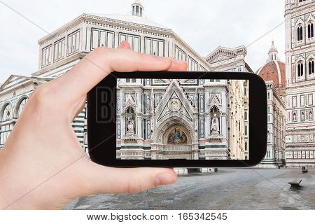 Tourist Photographs Decor Of Duomo In Florence
