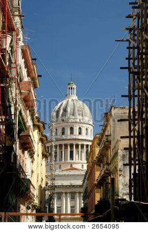 Reconstructing Cuba