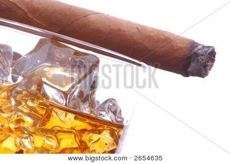 Whisky e charutos
