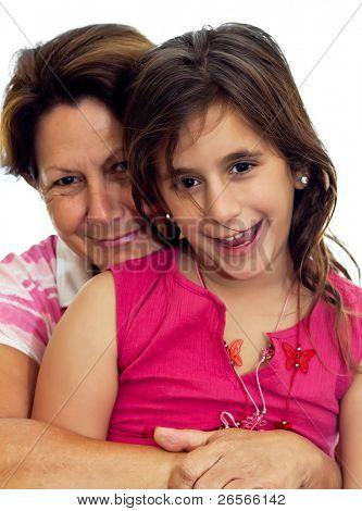 Abuela y niño abrazando aislado en blanco
