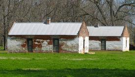 foto of slave-house  - Slave Houses at Magnolia Plantation - JPG
