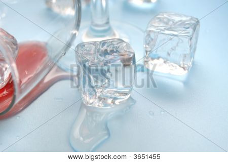 Dangers Of Drinking Alcohol: Glass And Ice