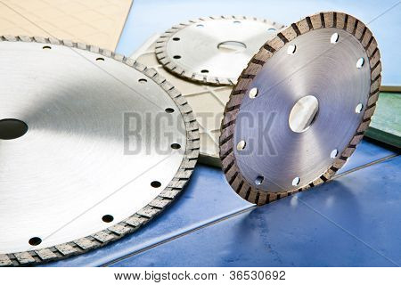 Diamond discs for tile cutting