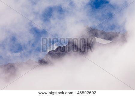 Foggy Peaks Of Aoraki Mount Cook Np In New Zealand