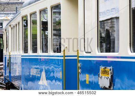 Montreux-oberland Bernois (mob) Train