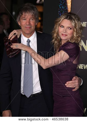 LOS ANGELES - DEC 05:  DAVID E. KELLEY & MICHELLE PFEIFFER arriving to