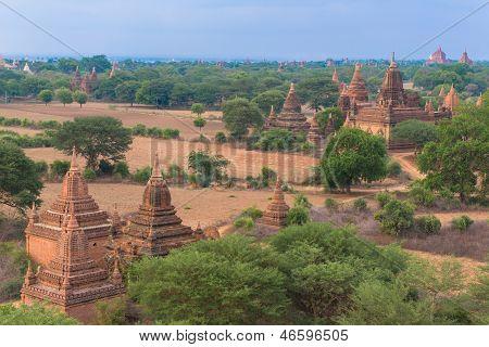 Panorama von Bagan mit dem Irrawaddy-Fluss