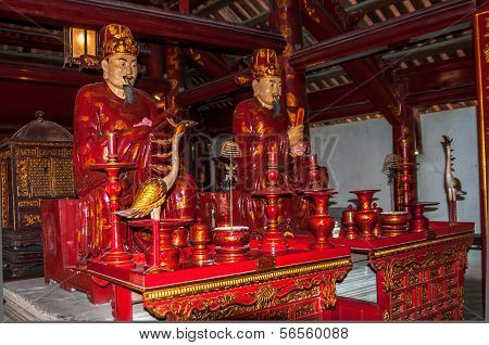 Confucius Statue In Complex Temple Of Literature