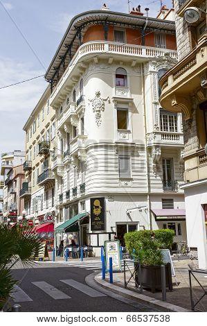 Palais Alice In Nice At Rue De France