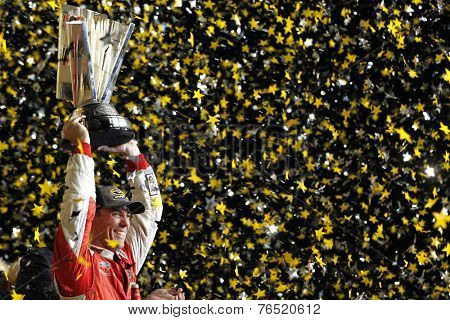 Homestead, FL - Nov 16, 2014:  Kevin Harvick makes a late race move to win the Ford EcoBoost 400 and the Sprint Cup Championship at Homestead Miami Speedway in Homestead, FL.