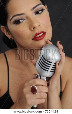 Soft Retro Glamour Singer