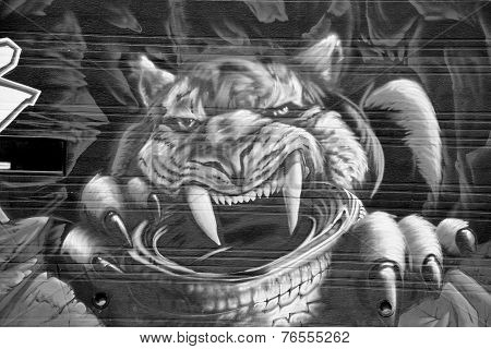 :Street art Montreal sabre-toothed tiger