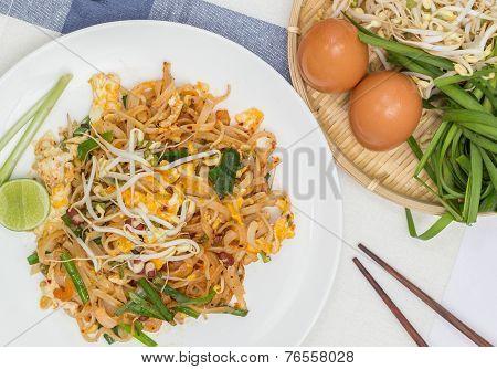 Thai Food  (pad Thai)
