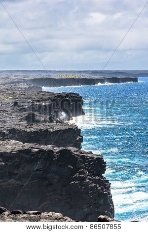 The lava cliff in the Volcanoes National Park, Hawaii