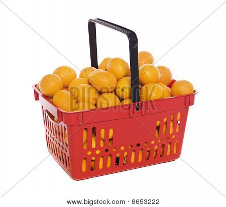 Shoppingbasket filled with oranges