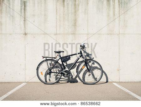 Bike against concrete wall
