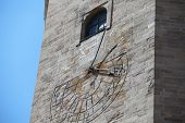 image of sundial  - the time on the sundial Old Tower - JPG