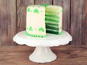 picture of cake stand  - Sliced cake for Saint Patrick - JPG