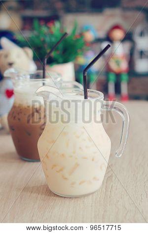 Iced Vanilla Milk