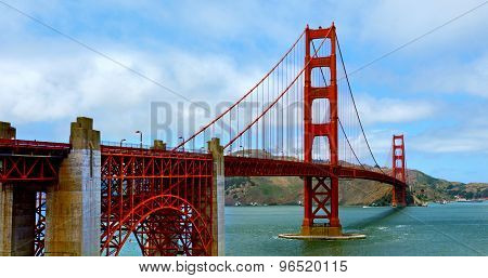 Golden Gate Bridge In San Francisco - Ca