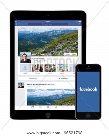 Facebook App On The Apple Ipad Air 2 And Iphone 5S Displays