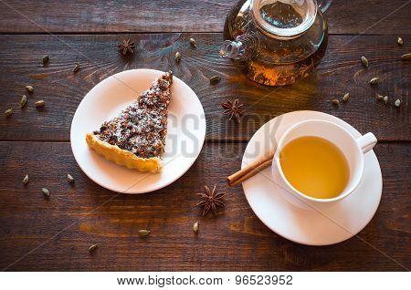 Vegan Lunch: Herbal Tea And Nut Pie