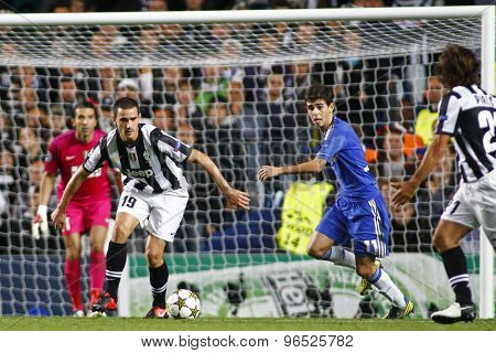 LONDON, ENGLAND. September 19 2012 Juventus's Italian defender Leonardo Bonucci and Chelsea's Brazilian midfielder Oscar during the UEFA Champions League football match between Chelsea and Juventus