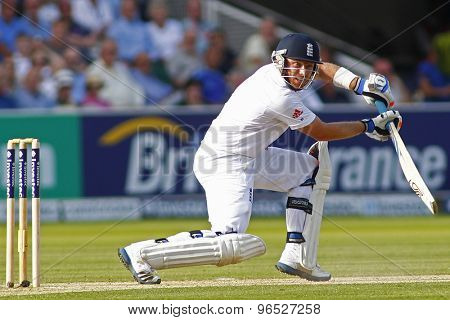 LONDON, ENGLAND. AUGUST 17 2012 England's Ian Bell goes to fifty runs during the third Investec cricket  test match between England and South Africa, at Lords Cricket Ground