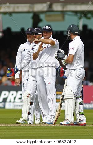 LONDON, ENGLAND. AUGUST 16 2012 England's Andrew Strauss calls for a review during the third Investec cricket  test match between England and South Africa, at Lords Cricket Ground