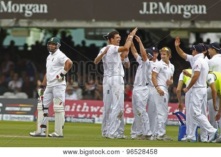 LONDON, ENGLAND. AUGUST 16 2012 England celebrate the wicket of South Africa's Jacques Kallis on umpires review during the third Investec cricket  test match between England and South Africa,